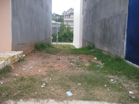Đất trống đẹp 4.5×10 sổ riêng, khu dân cư sằm uất