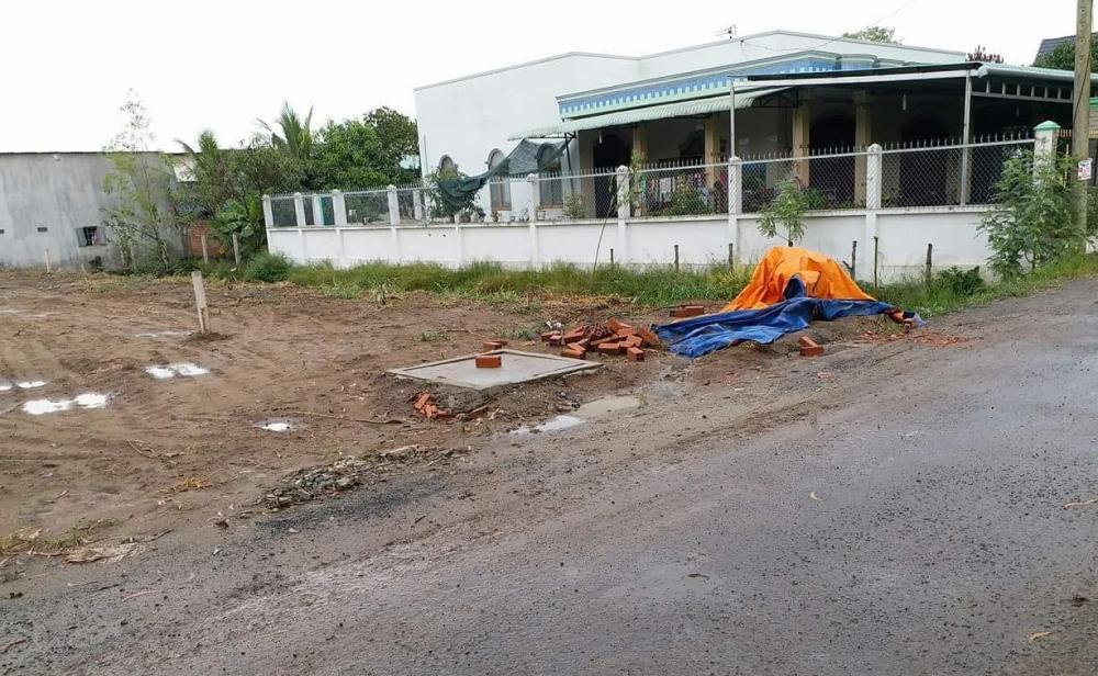 Cần bán miếng đất ở đường Bà Cả, xã Đa Phước , Bình Chánh . dt 80m2 , 400tr